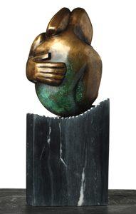 "Title: ""Hogar"". Year: 2015. Artist: Alejandro González. Medium: Casting in bronze. Dimensions: 40 x 20 x 20 cms. Contact: https://www.facebook.com/luisalejandrogh"